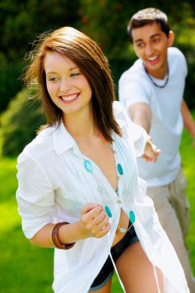 What Do Men Find Attractive In Women? - Couple Together